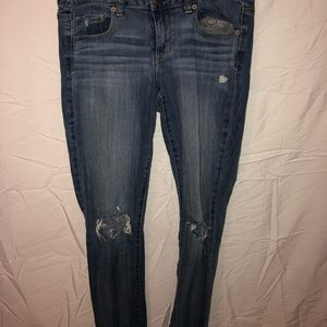 American eagle straight legged low rise jeans